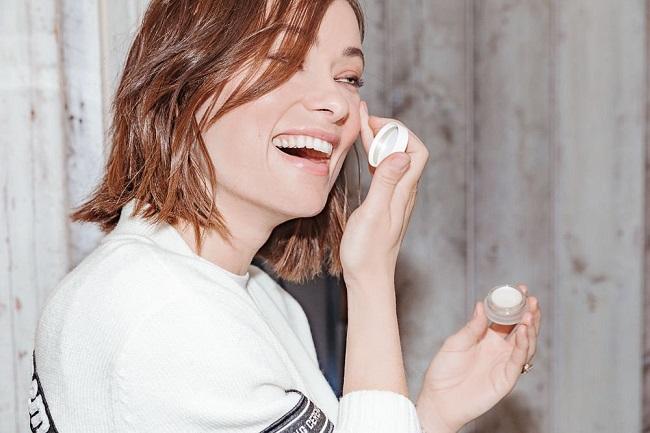 Cách chăm sóc vùng da quanh mắt