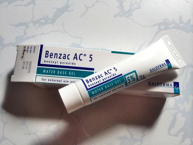 kem trị mụn benzac ac 5% trị mụn sưng viêm
