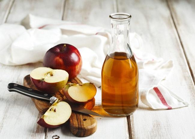 Cách trị thâm nách tại nhà hiệu quả bằng giấm táo