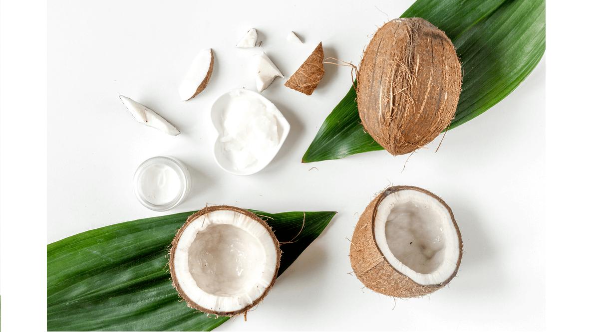 Cách trị rụng tóc tại nhà bằng dầu dừa
